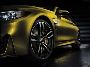 BMW-M4_Coupe-diagonal