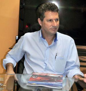 Toni Ramos, representante comercial