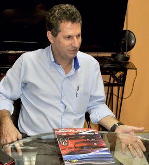Toni Ramos, represenante comerciakl de acessórios automotivos