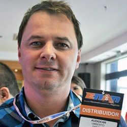 Umberto Morschbacher, diretor da distribuidora de acessórios gaúcha Audiocar