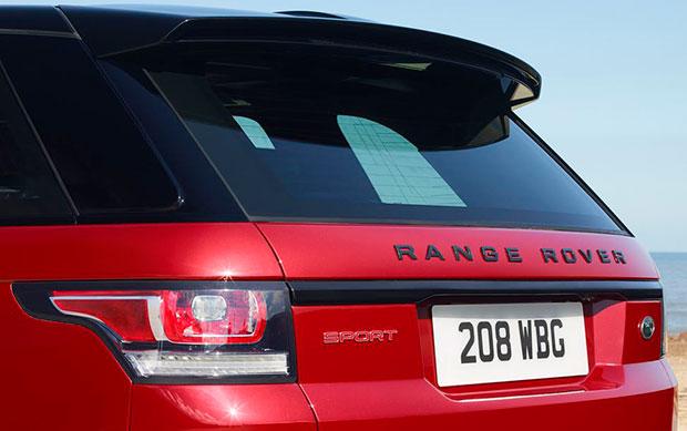Detalhe da taseira da SUV Range Rover Sport HST
