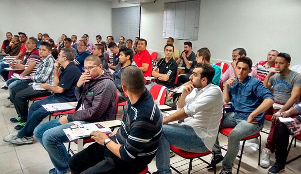 Platéia do workshop da Stetsom amplificadores na distribuidora de som e acessórios Danfab