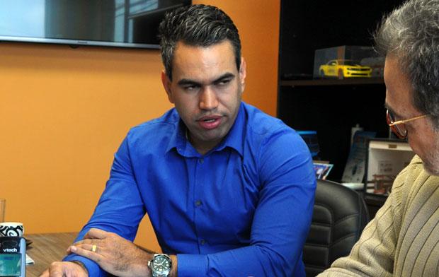 Fernando Sena, representante comercial de acessórios automotivos