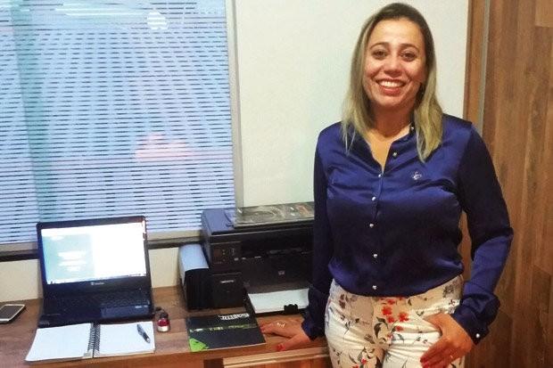 Adriana, da JLA Representações, representante de empresas de som e acessórios automotivos