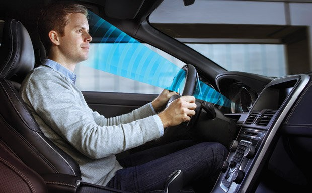 Veículo monitora as reações do motorista e reage de acordo