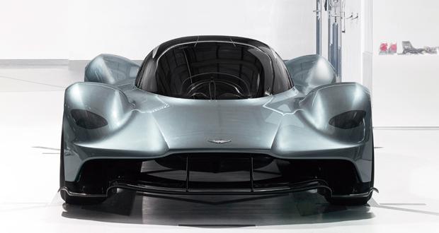 Apesar do design futurista, o motor será um V12 turbo sem tecnologia híbrida.