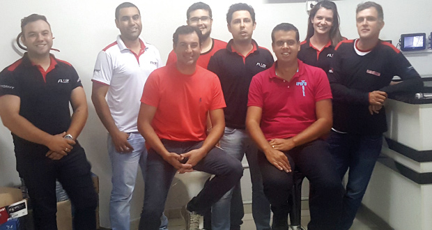 equipe da FLASH AUTOMOTIVE, Distribuidora de Franca: