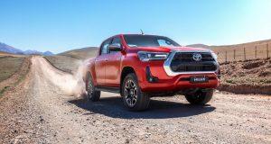 Toyota mostra Hilux 2021 com novo visual e maior potência