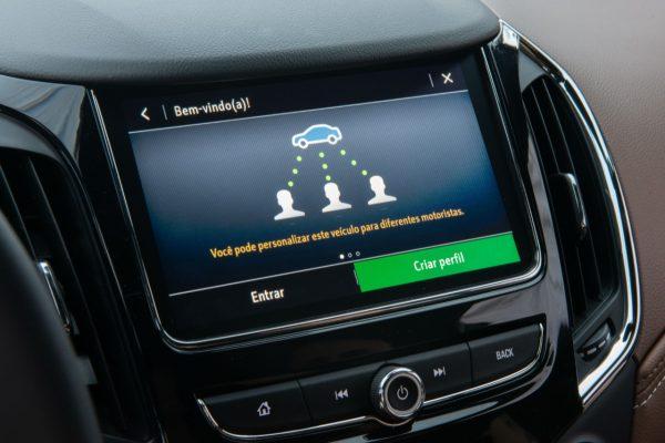 Vendas de carros conectados da Chevrolet crescem 80% em relação a 2019