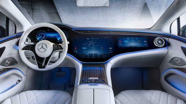 Mercedes-Benz revela interior high-tech do elétrico EQS