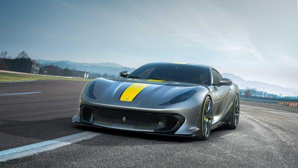 Ferrari mostra a 812 Competizione de 841 cv