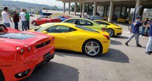 Mais de 100 esportivos e clássicos reunidos em evento único em Interlagos