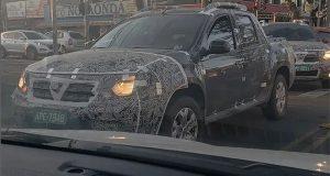 Novo Renault Duster Oroch é flagrado camuflado em Curitiba/PR