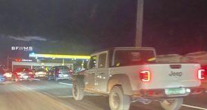 Jeep Gladiator Rubicon é flagrada rodando sem camuflagem em MG