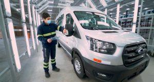 Linha de montagem uruguaia começa a fabricar nova Ford Transit para o Brasil