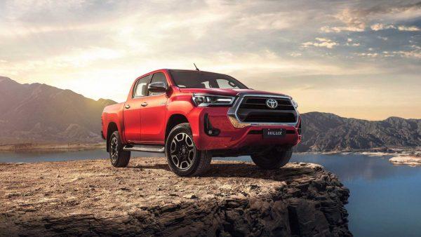 Toyota Hilux sofre aumento de preços e parte de R$ 195 mil