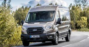 Ford investe em divisão comercial; Transit chega neste ano